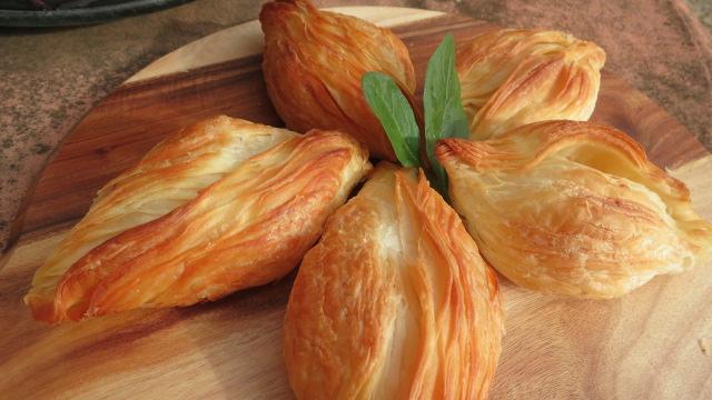 Mediterranean Handmade Pastizzi Including Spinach Amp Ricotta Pastizzi Ricotta Pastizzi And